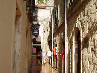 13_Narrow_streets_of_Kotor